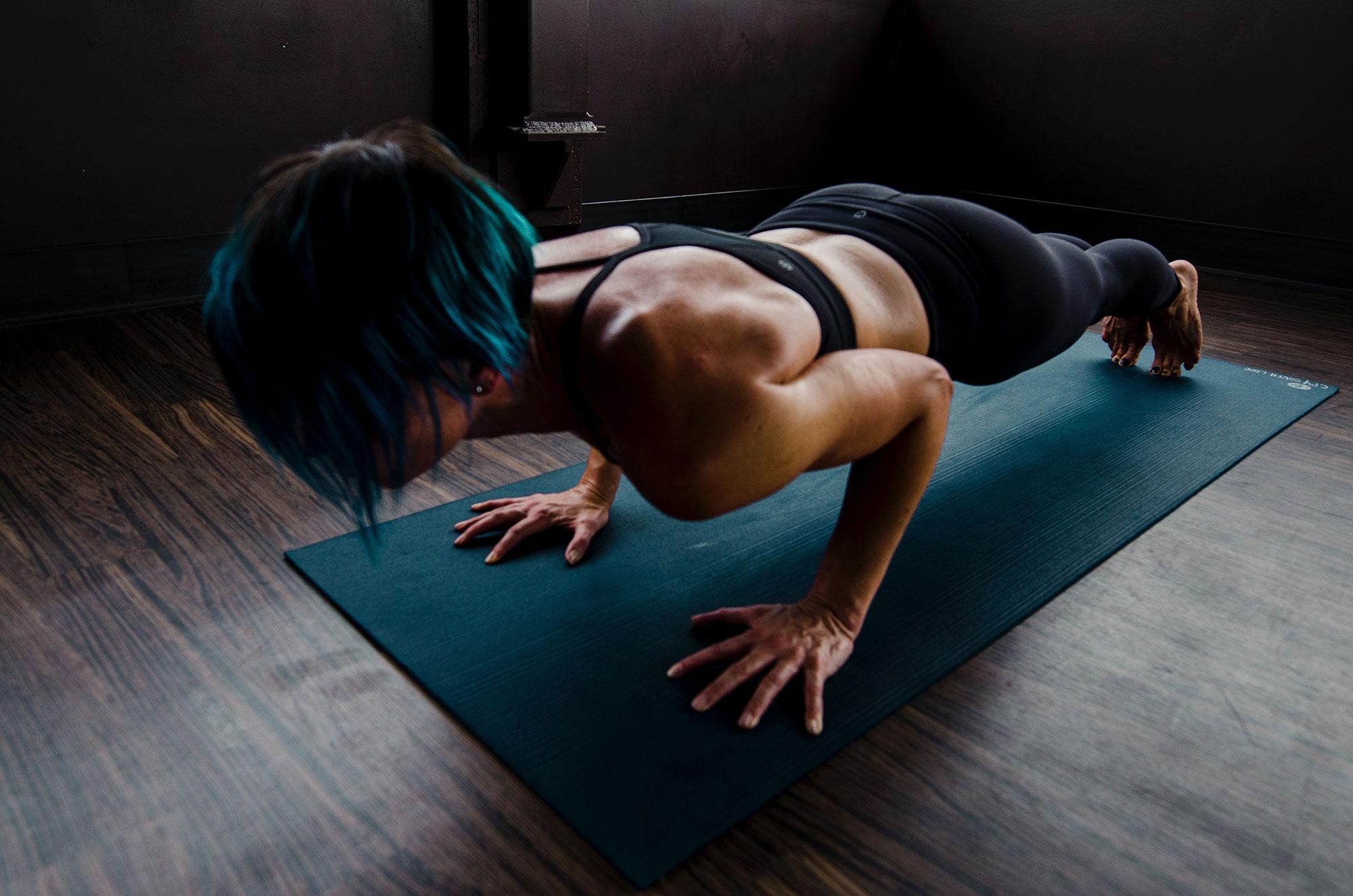 woman-doing-push-ups2